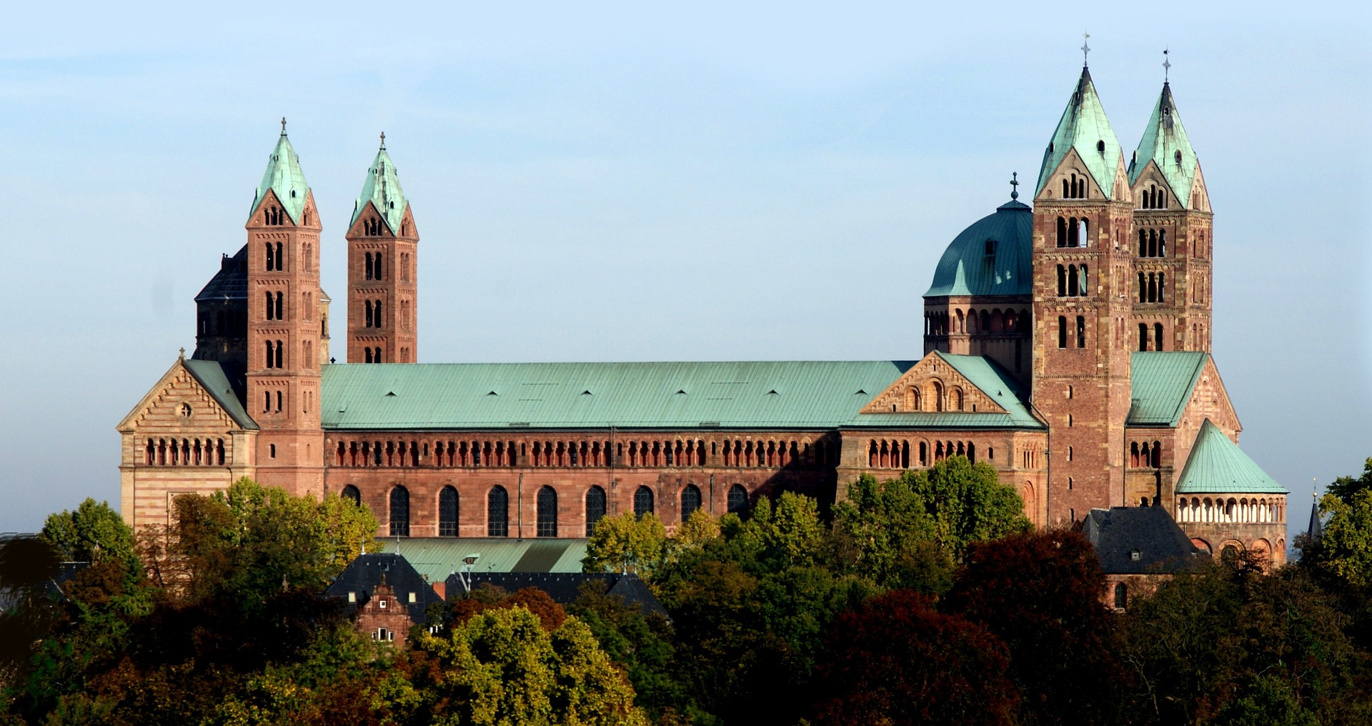 dom-1220380_1920